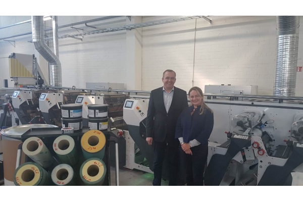The first hybrid offset machine ОМЕТ XFlex X6 in Lithuania